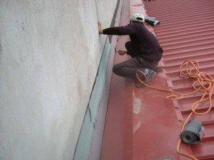 Có thể lăn sơn lên bề mặt tường bị nứt không