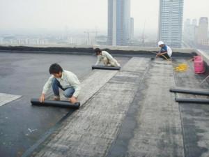 Nguyên nhân gây thấm dột sàn mái